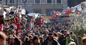 Rome Christmas market stalled over security row