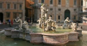 Rome police fine man for jumping in Piazza Navona fountain