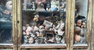 Rome's doll hospital