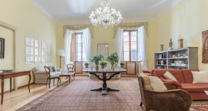 Elegant furnished 2-bedroom flat in the heart of ROME!