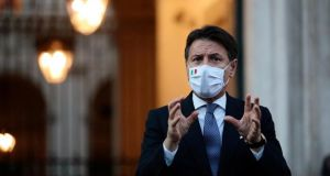 Covid-19: Italy's premier Conte signs new emergency decree