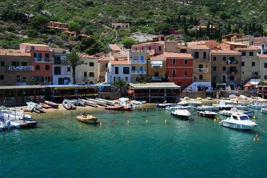 Giglio: lily of the Tuscan islands