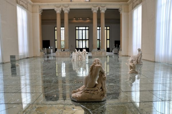 GALLERIES AND MUSEUMS. NEW LOOK FOR OLD SPACES