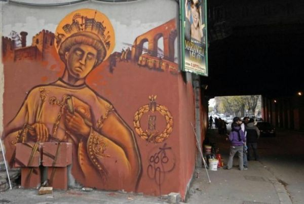 Rome signs deal with graffiti artists