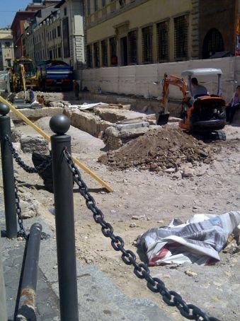 Tram 8 Piazza Venezia extension works facing history?