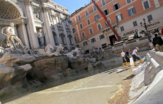 Restoring Rome's Trevi Fountain
