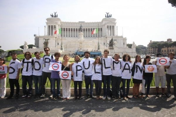Protest over coach invasion of Rome