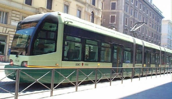 Disruption to Rome's number 8 tram