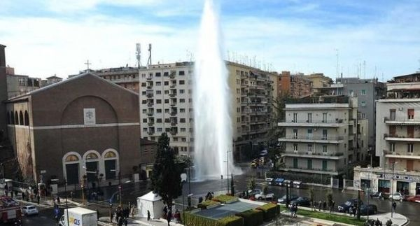 Impromptu geyser in Rome