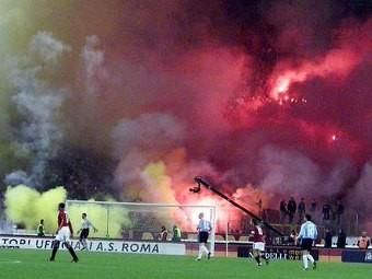 Rome derby marred by violence
