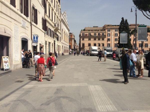 Tram 8 extension jams traffic in Rome centre