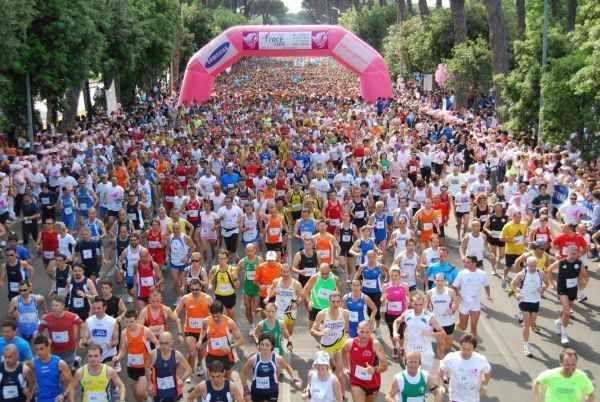 Komen Race for cancer awareness in Rome