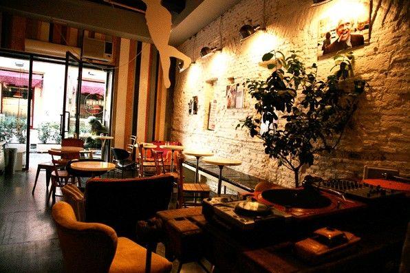 Barnum Cafe
