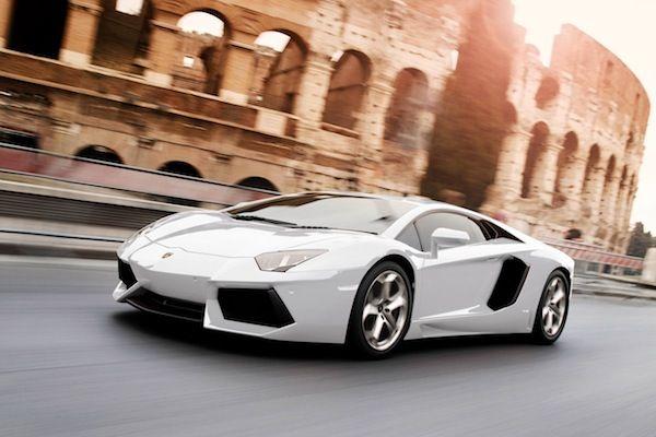 350 Lamborghinis roar into Rome