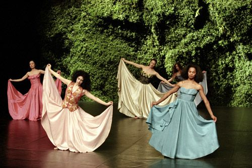 Tanztheater Wuppertal Pina Bausch