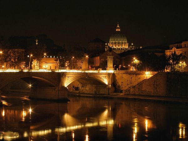 American student falls to death on Tiber banks