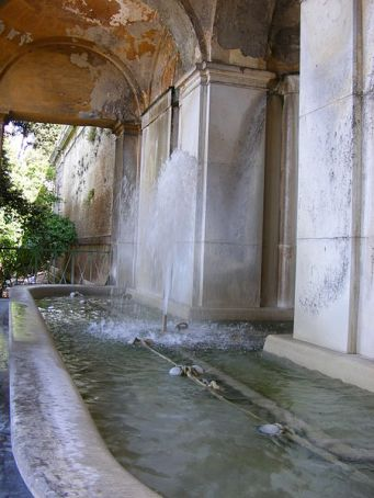 Looking for radon in Rome's acqueducts