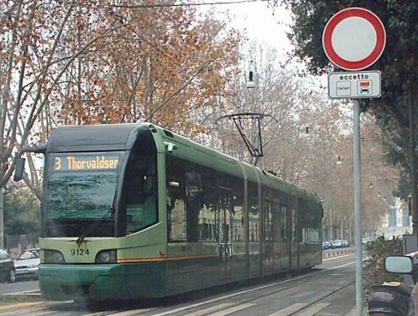 Return of Rome's Number 3 tram