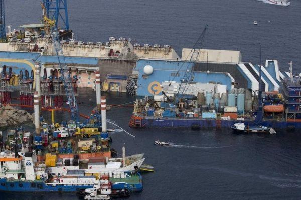 The removal of Costa Concordia starts