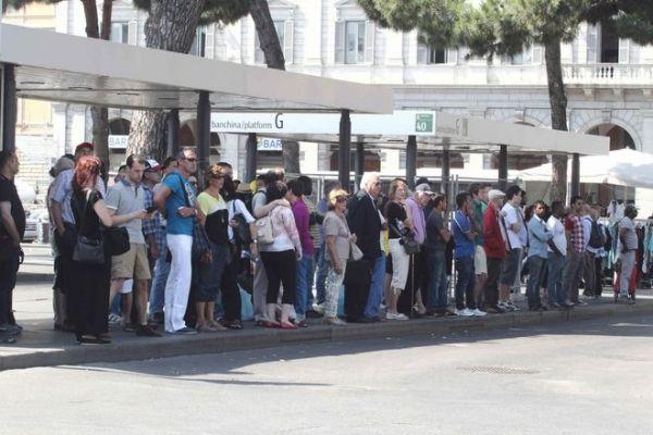 Double transport strike in Rome