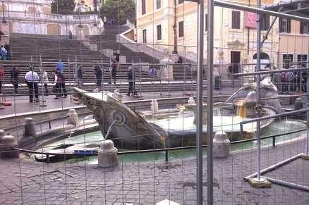 Barcaccia restoration in Piazza di Spagna