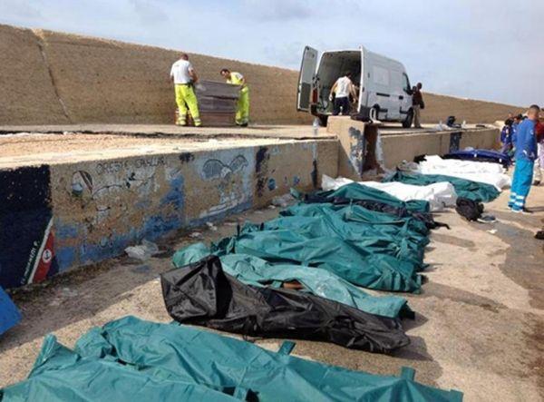 Immigrants die in Italian waters