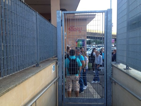 Commuters locked in stations during strike
