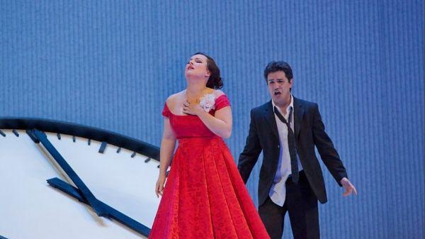 La Traviata by Verdi opens La Scala's new season
