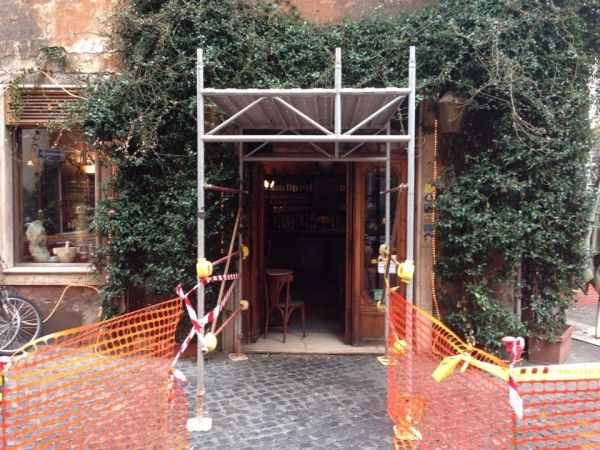 Bar della Pace cordoned off for safety
