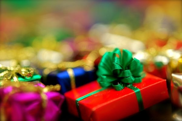 Christmas gifts for Rome's refugees