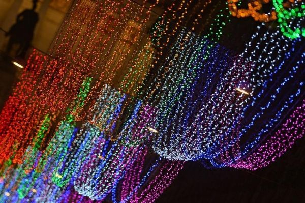 "Controversy over ""gay"" Christmas lights in Rome"
