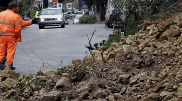 Landslides cause road closures in Rome