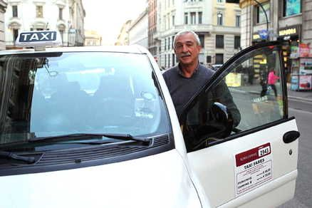 Rome taxi driver receives medal for honesty