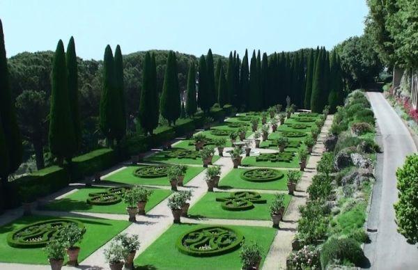 Castel Gandolfo papal gardens open to public