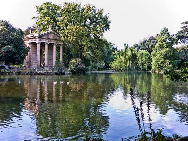 Villa Borghese lake reopens