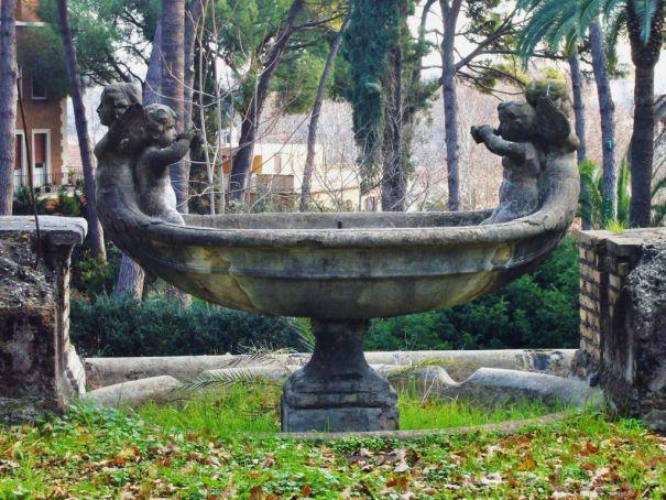 Villa_Sciarra_-_Fontana_a_Navicella