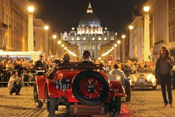 Vintage cars come to Rome