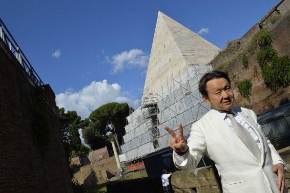 Restoration of Piramide Cestia nears completion