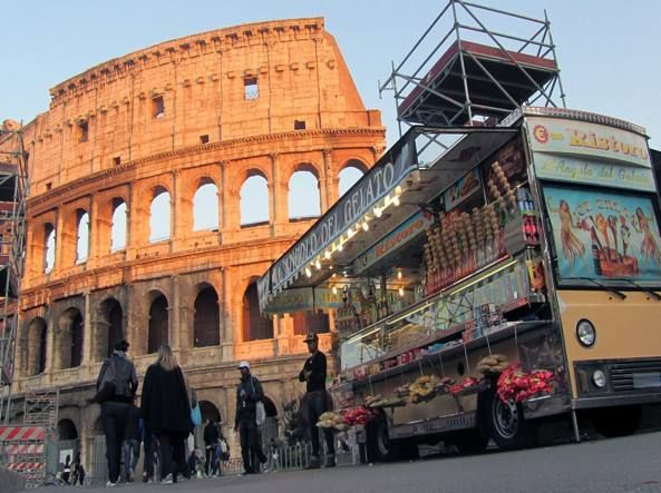 Rome to move traders from major tourist sites
