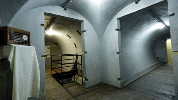 Mussolini bunker opens to visitors in Rome