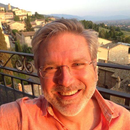 Italy Reads founder Prof. Carlos Dews.