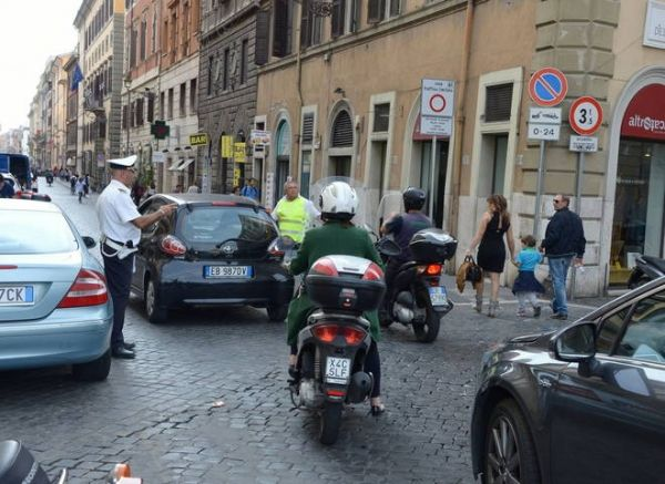 Parking granted to residents in Rome's Tridente