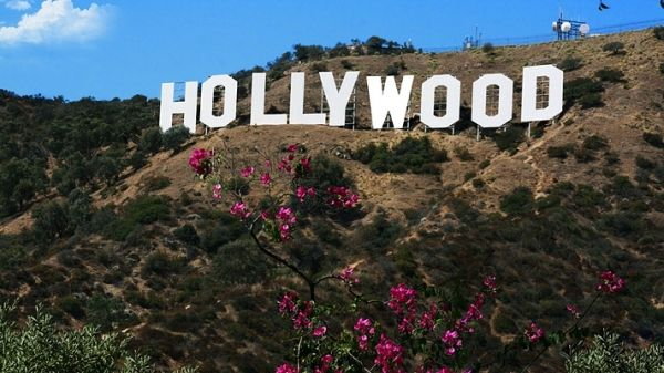 Travelers, Exile, and Expats: British Novelists in Hollywood