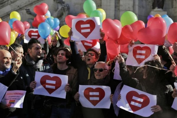 Rome votes to recognise gay civil unions