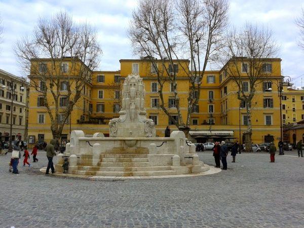 Rome's Piazza Testaccio restored