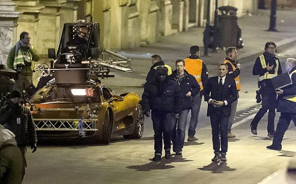 James Bond closes Rome streets
