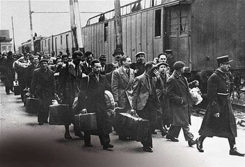 Men in Quadraro being rounded up for deportation