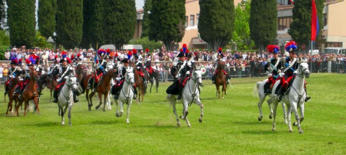 ++ Contest ++ Two free tickets for Piazza di Siena horse show