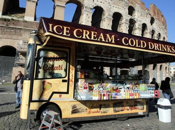 Rome to move mobile traders from historic centre