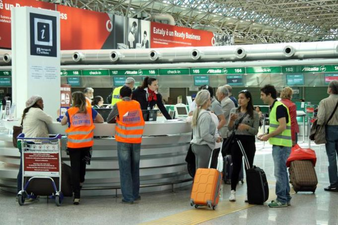 Rome's Fiumicino airport closed after fire
